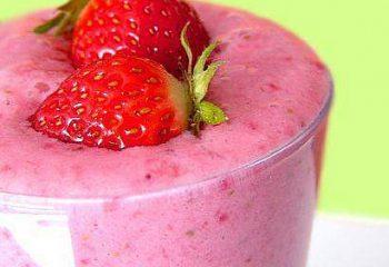 kiwi strawberry smoothy
